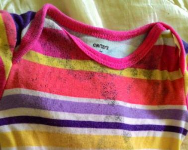 Petua Nak Hilangkan Bintik Hitam Pada Pakaian