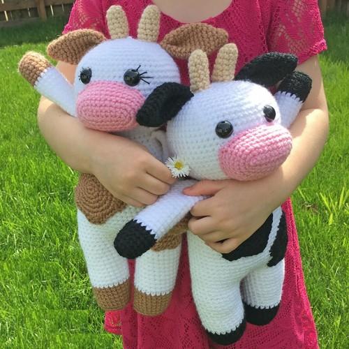 Amigurumi Cow - Free Crochet Pattern