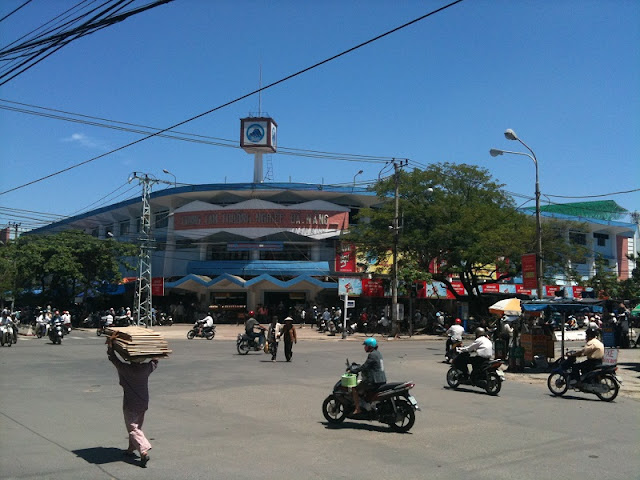 Discover Con Market- the Culinary Paradise of Da Nang