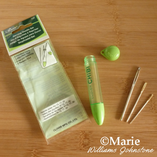 Clover Chibi packet with green storage case twist top and set of 3 darning needles in assorted sizes