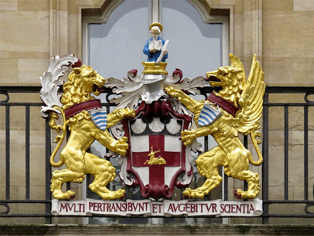 Official blazon of Holborn, Holborn Town Hall, High Holborn, London