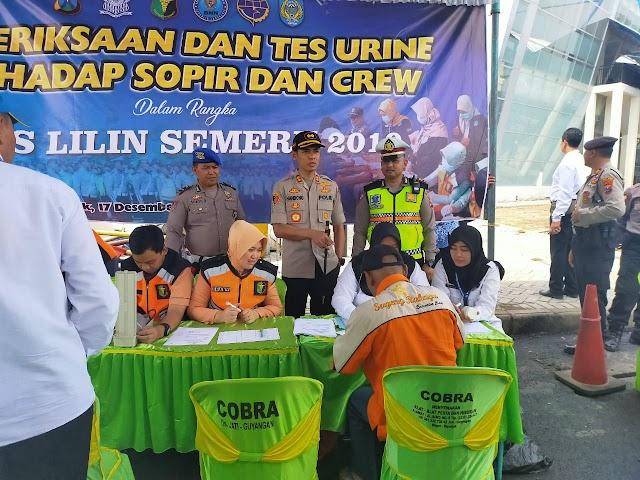 Pemeriksaan dan Tes Urine Terhadap Sopir dan Crew Dalam rangka Ops Lilin Semeru 2019