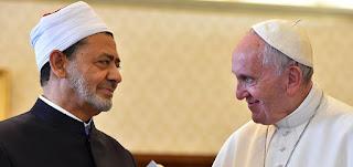 شيخ الأزهر: رسالة البابا فرنسيس تكشف واقعًا عالميًا يعيش الخلل