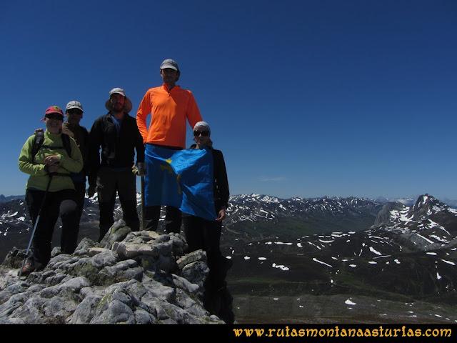 Ruta Les Rapaines, Lago Ubales, Cascayón: Cima de Les Rapaínes