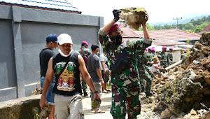 TNI AL Terjunkan Ratusan Personel ke Daerah Bencana di Mamuju