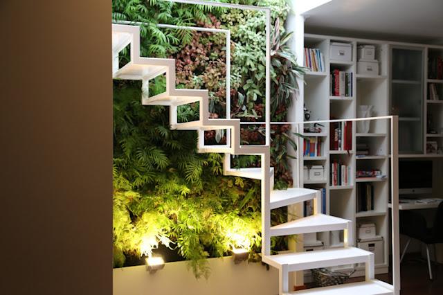 Desain Tangga Ruang Sempit Tema Alam