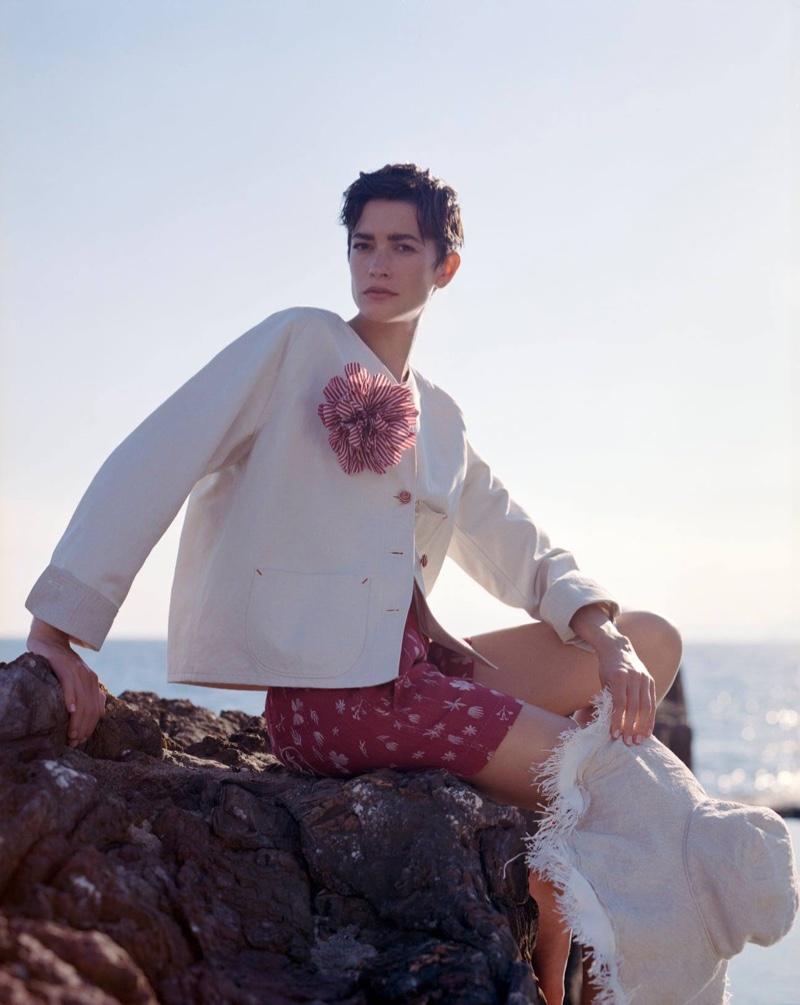 Giorgio Armani focuses on beach style for its summer 2021 campaign.