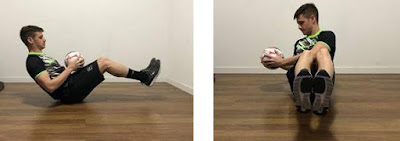 """Com academias e parques fechados devido à quarentena recomendada pelas autoridades de saúde para conter a pandemia de coronavírus (Covid-19), muita gente está se exercitando em casa. Para driblar a falta de equipamentos e acessórios de ginástica e dar um up no treino, a Penalty sugere o uso de bolas na rotina de exercícios. """"Além de trabalhar a tonificação e o fortalecimento, o uso da bola contribui com o desenvolvimento da coordenação e da propriocepção, que é o reconhecimento espacial do corpo. Outra vantagem da bola é o fácil acesso"""", explica a personal trainer Rafaela Ruiz, especializada em treinamento funcional e hipertrofia."""