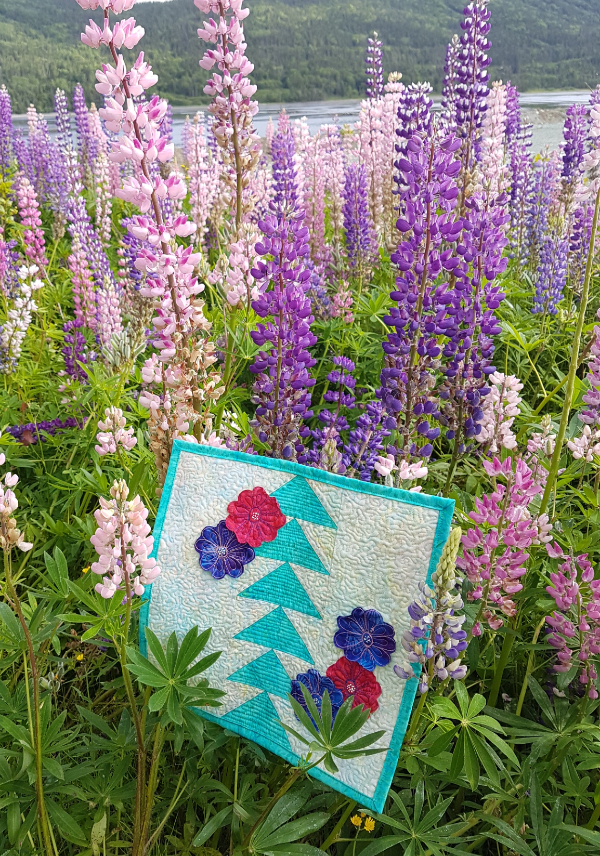 geese and flowers mini quilt | DevotedQuilter.com