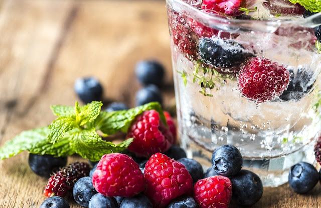 Kombinasi buah beri untuk infused water