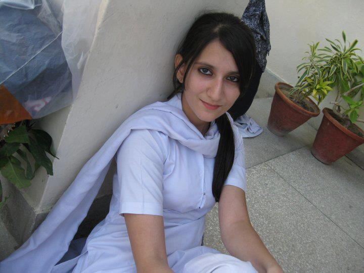 Cigaret With Girl Wallpaper Download Pakistan Most Beautiful Girls Actress Hot Photos Collection