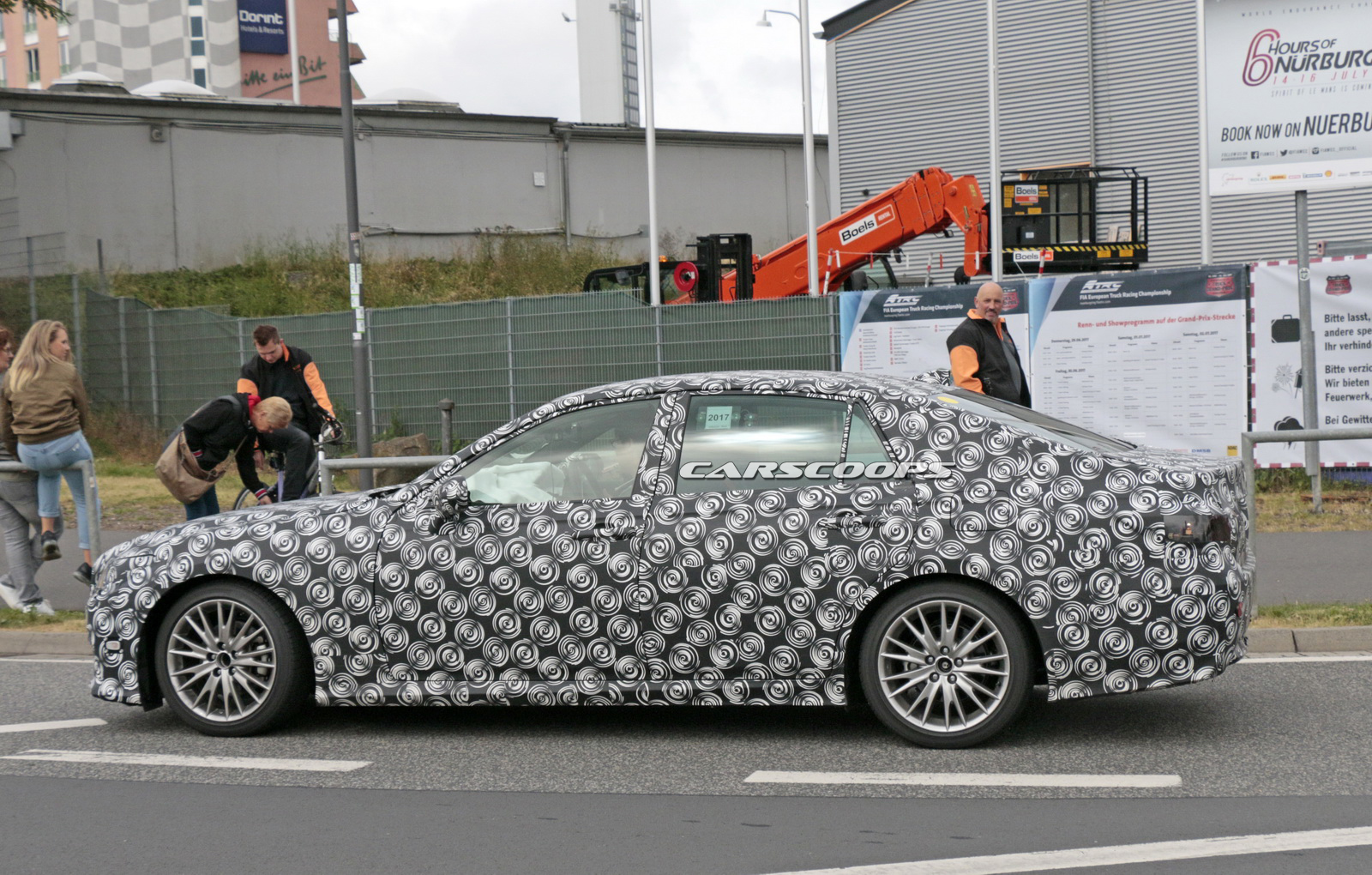Lexus-GS-Scoop-08