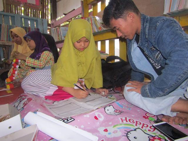 Mahasiswa STAI Nur El Ghazy Galakkan Literasi di Desa