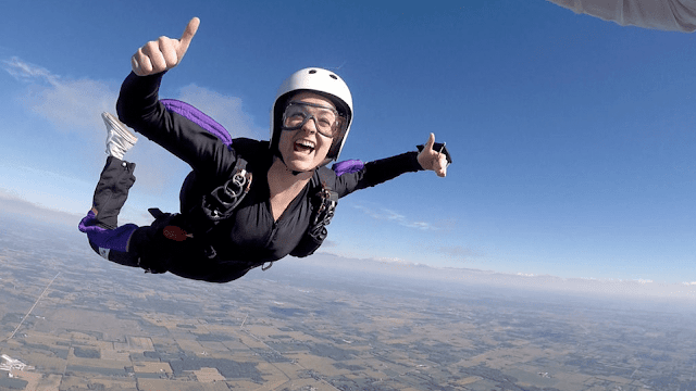 How old do you have to be to skydive in Arizona?