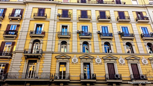 Casarão no Centro Histórico de Nápoles, Itália