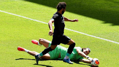 Liverpool đá trận đầu tiên hậu Covid-19: Mane lập công, hạ gục Salah 5