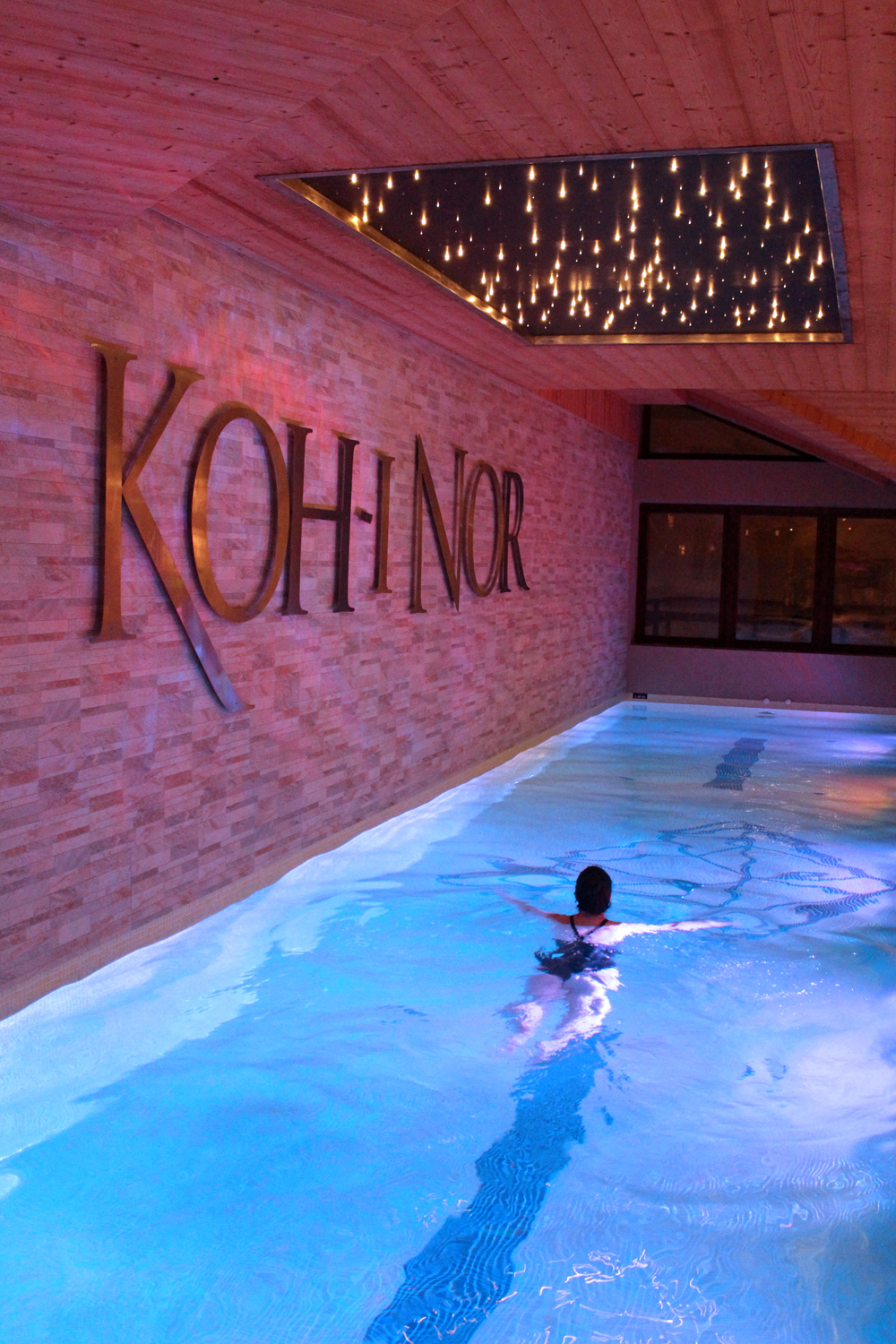 Swimming pool at Koh-I-Nor five star hotel, Val Thorens, Les Trois Vallees - luxury travel blog
