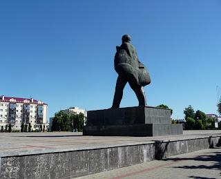 Пинск. Площадь Ленина. Памятник Ленину