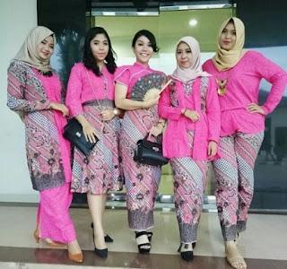 Desain model rok batik kombinasi