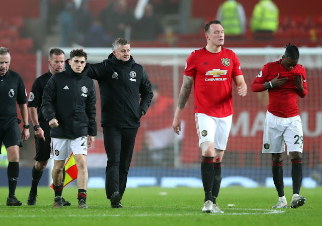 Video Cuplikan Gol: Manchester United 0-2 Burnley (Premier League)