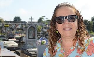 Tania Matos, administradora do Cemitério Carlinda Berlim: população deve colaborar nas ações de prevenção