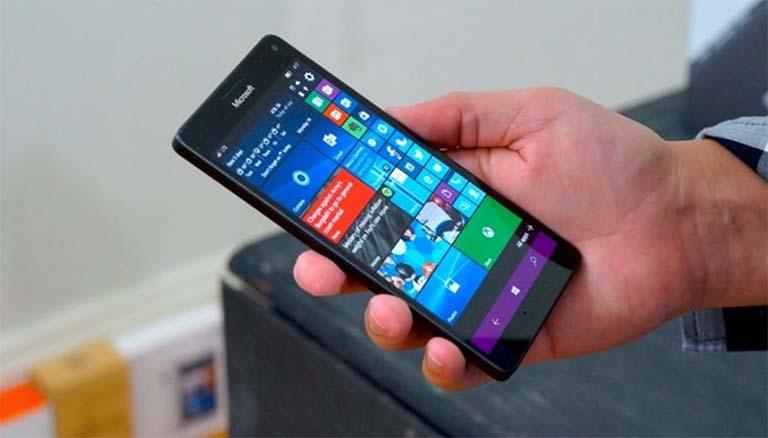 Windows 10 ARM Untuk Ponsel Lumia Mendapatkan Dukungan Sensor