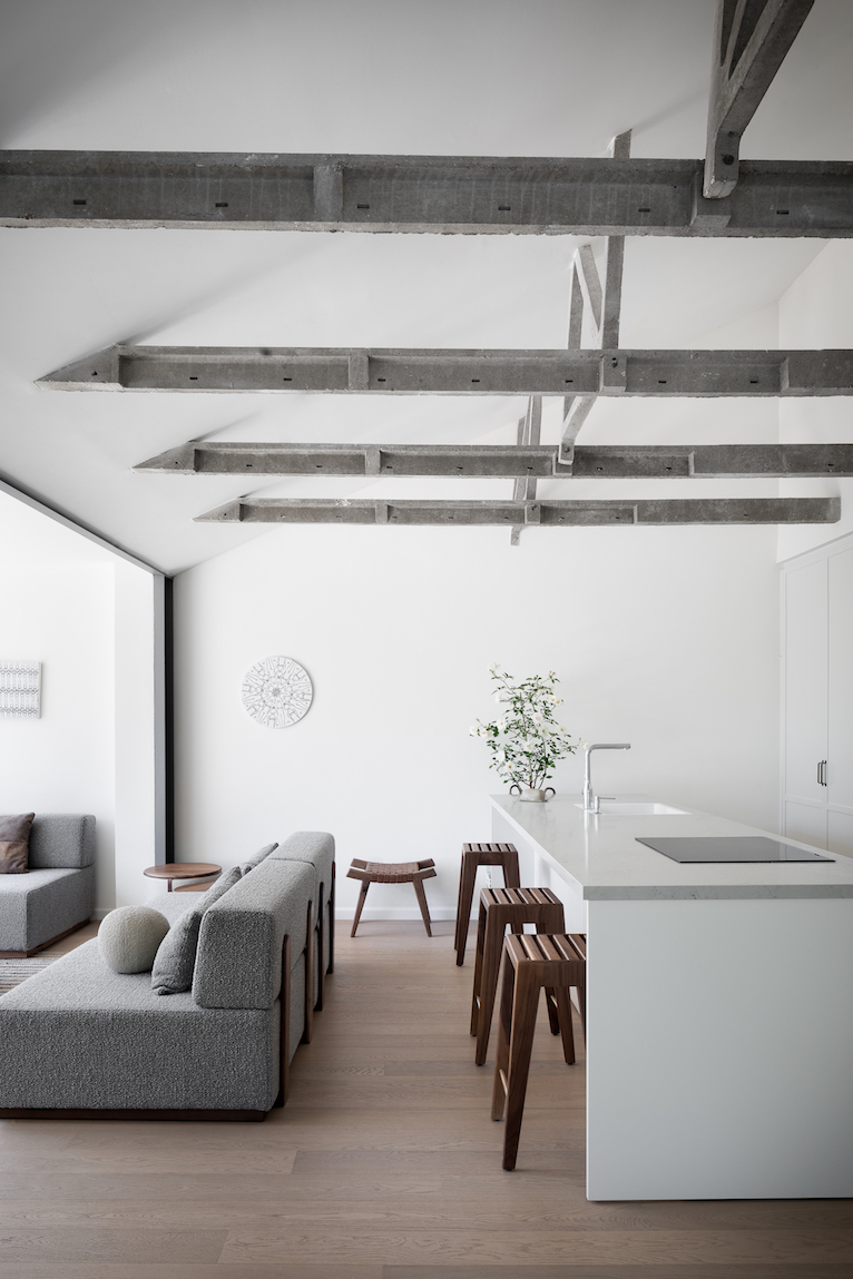 A light home with a beautiful court
