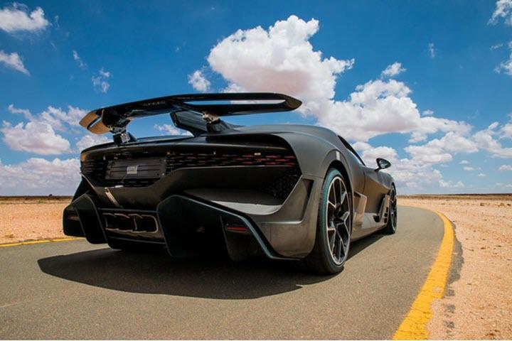Siêu xe Bugatti Divo giá 5 triệu USD sắp tới tay khách hàng
