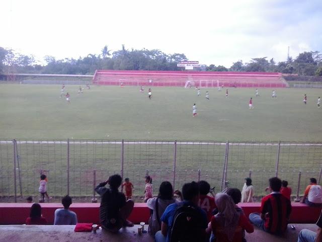 Tribun Stadion M Sarengat Batang
