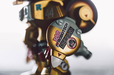 San Diego Comic-Con 2019 Exclusive Robotech Skullhead Gold Edition Figure by Huck Gee x BAIT