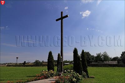 Костел святых Петра и Павла в Камне. Католический крест