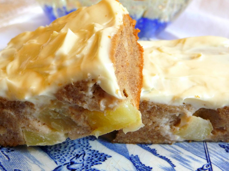 Apple Cake Keto Recipe: SPLENDID LOW-CARBING BY JENNIFER ELOFF: GERMAN APPLE CAKE