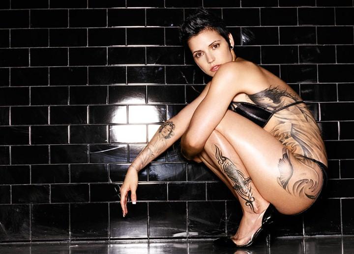 Татуированные женщины. Warwick Saint