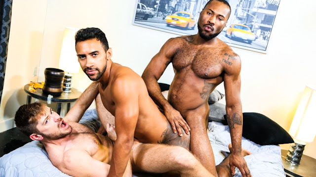 Jay Alexander, Noah Donovan, Jack Andy – 28 Inches Of Cock!