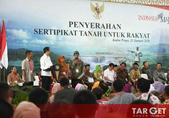Presiden Joko Widodo Serahkan 3.218 Sertifikat Hak Atas Tanah di Kulonprogo