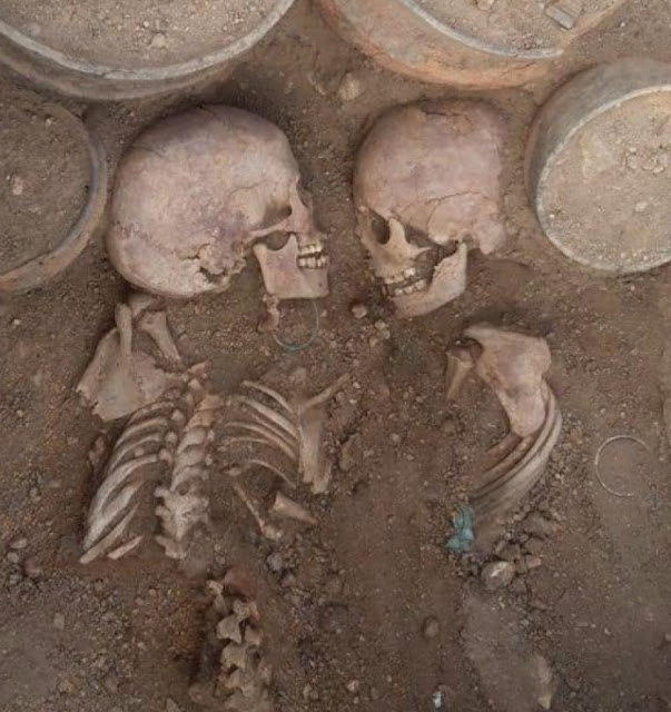 4,000-year-old burial with facing couple found in Kazakhstan
