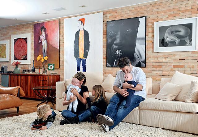 Assinatura da Rentável - Familia em casa