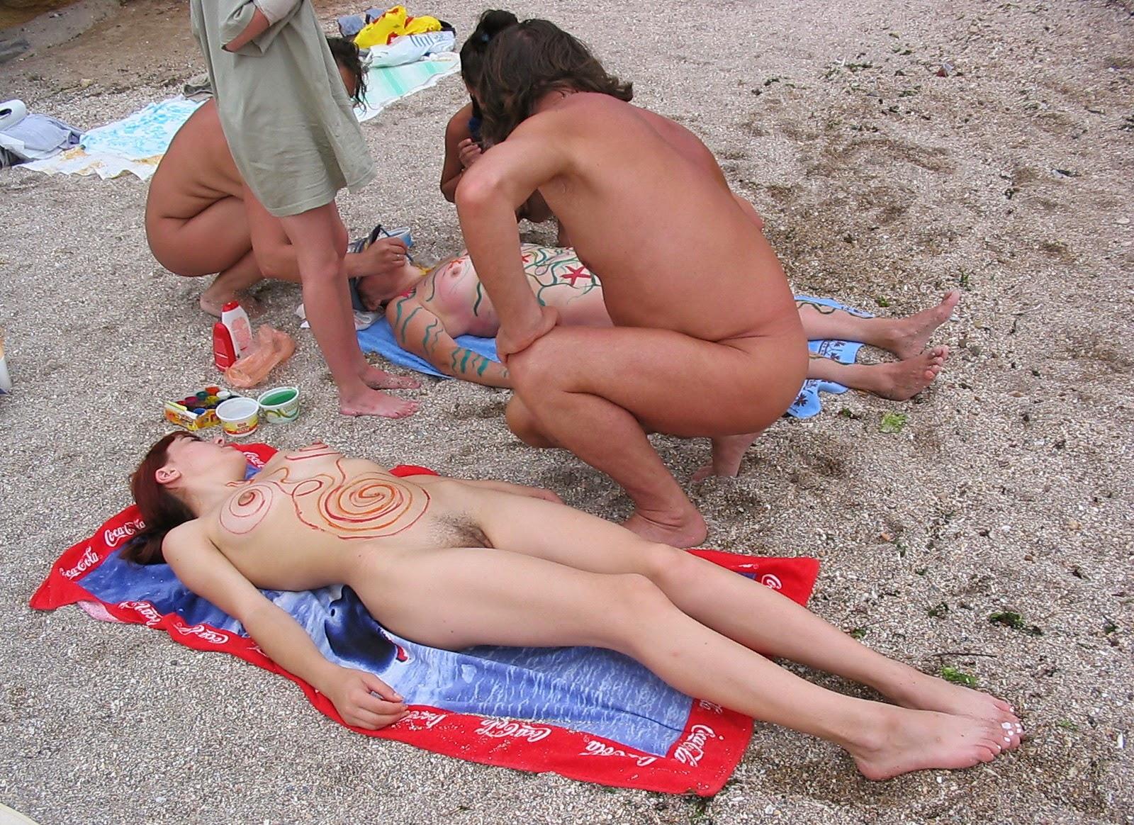 Family nudist naturist