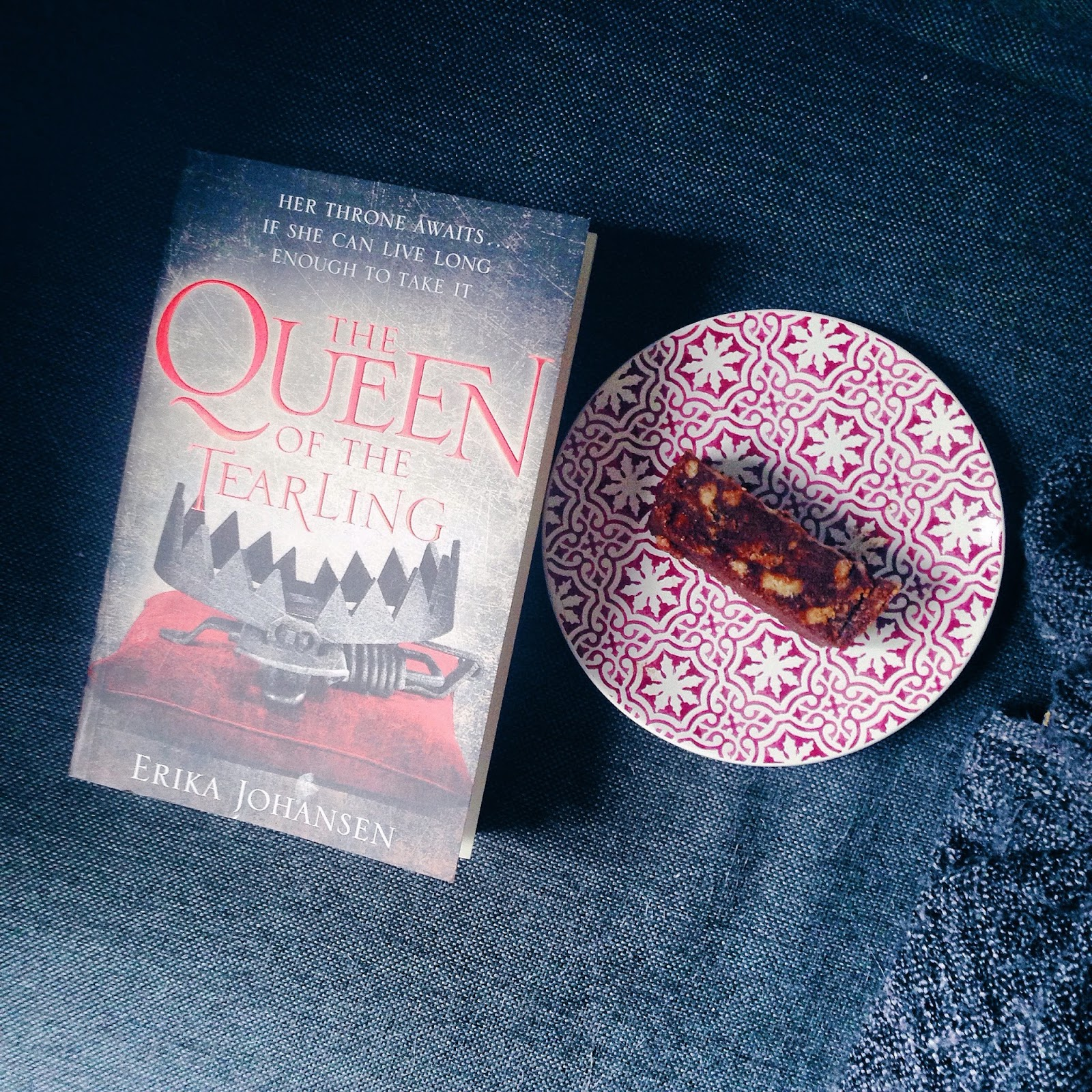 Read: The Queen of the Tearling by Erika Johansen; thestoryhour.nl