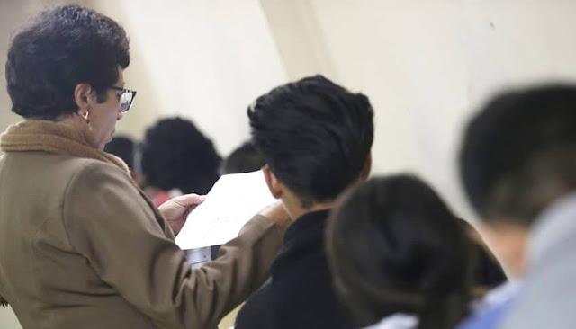 Reincorporación de docentes interinos sin títulos Minedu