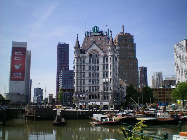 """""""Casa blanca"""" en el Puerto Viejo - Rotterdam"""
