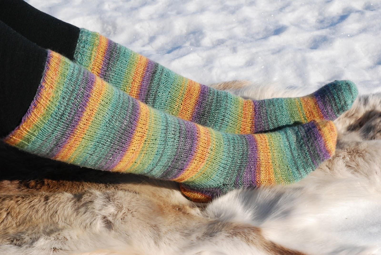 Viimeisin ei myyntiveroa virallinen kauppa The Knit Is Out There: 2016