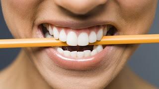 Pengaruh Stres Terhadap Kesehatan Gigi Remaja