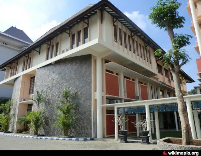 02. Kampus Arsitek di Universitas Brawijaya, Malang (Unibraw)