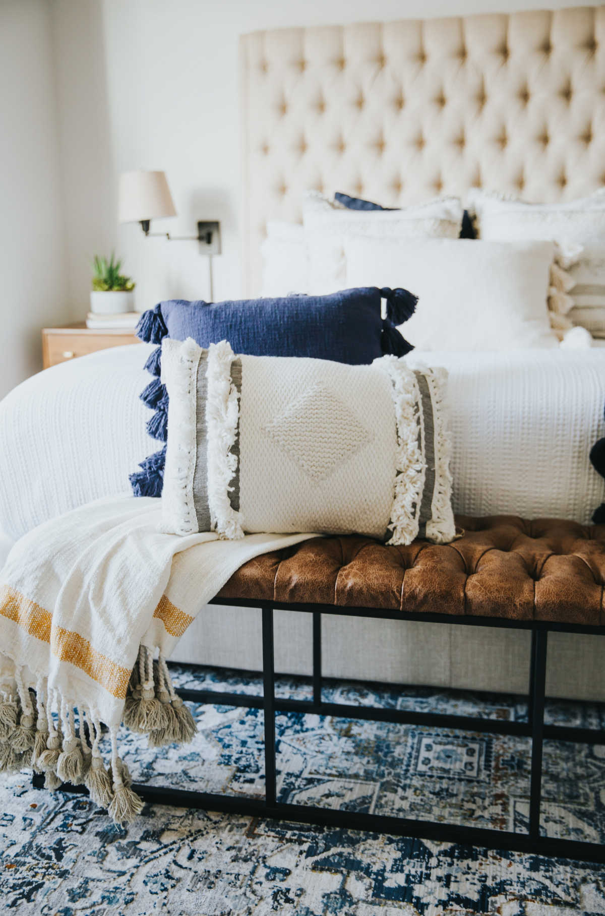 DECOATE HOME FREE PILLOWS