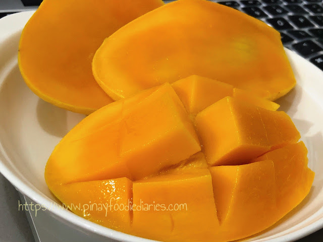 ripe carabao (Philippine) mango