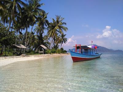 Pesona Indahnya Panorama Alam di Pulau