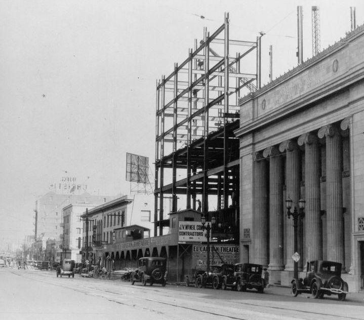 Los Angeles Theatres: El Capitan Theatre: street views 1925 to 1954