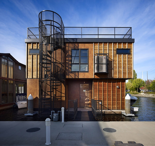 Photo of front facade of floating home in Seattle