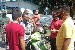 Kolaborasi Cegah Covid-19, Kapolres Takalar Bersama DPD GoWa-Mo Takalar Berbagi Masker dan Hand Sanitizer